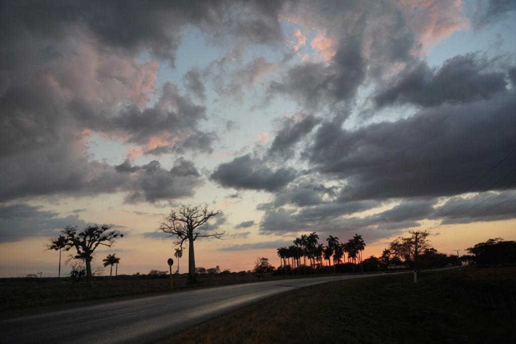 Ηλιοβασίλεμα στο δρόμο από το Baracoa